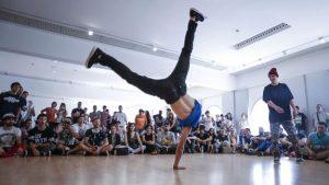Exhibición de baile en freak festival